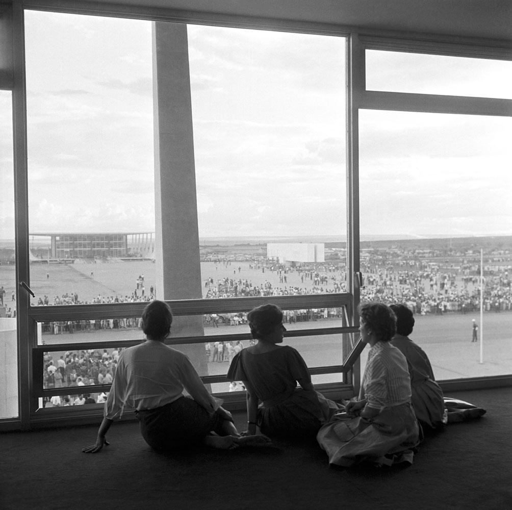 Construção e inauguração de Brasilia, mulheres. 10