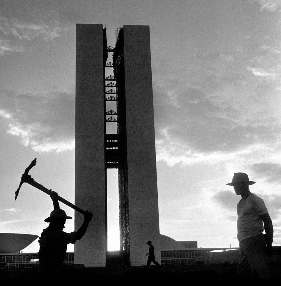 Construção e inauguração de Brasilia, candangos, trabalhadores. 6