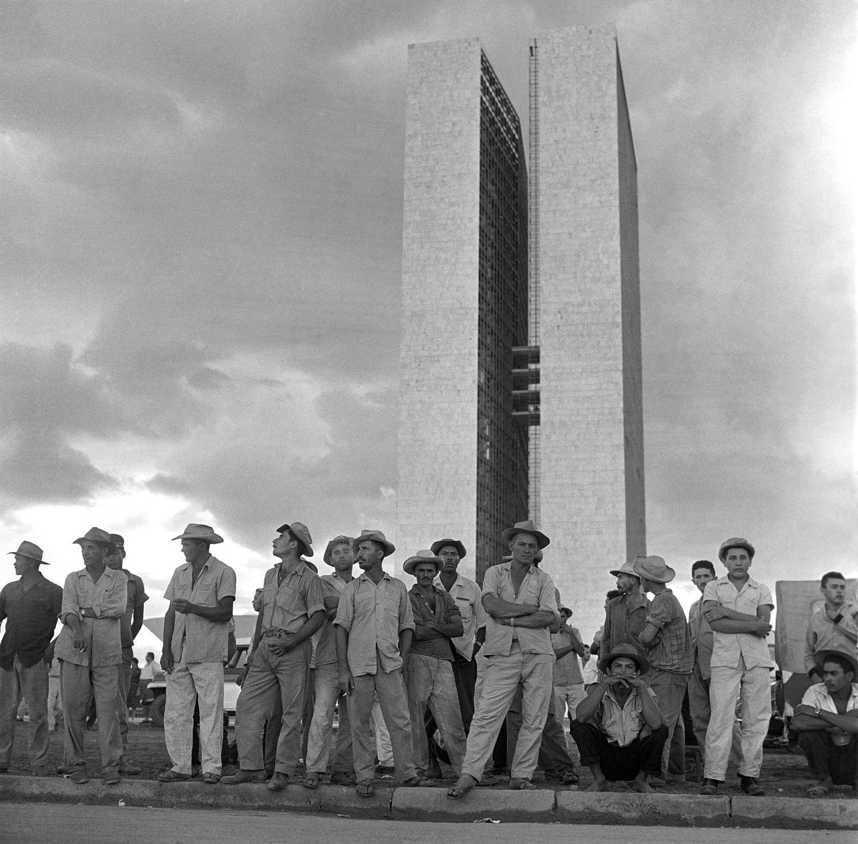 Construção e inauguração de Brasilia. Trabalhadores. Congresso Nacional. 05