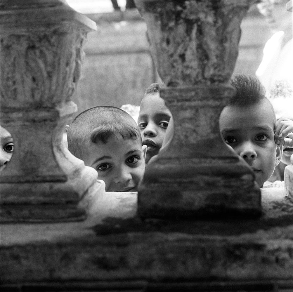 Crianças no orfanato 9