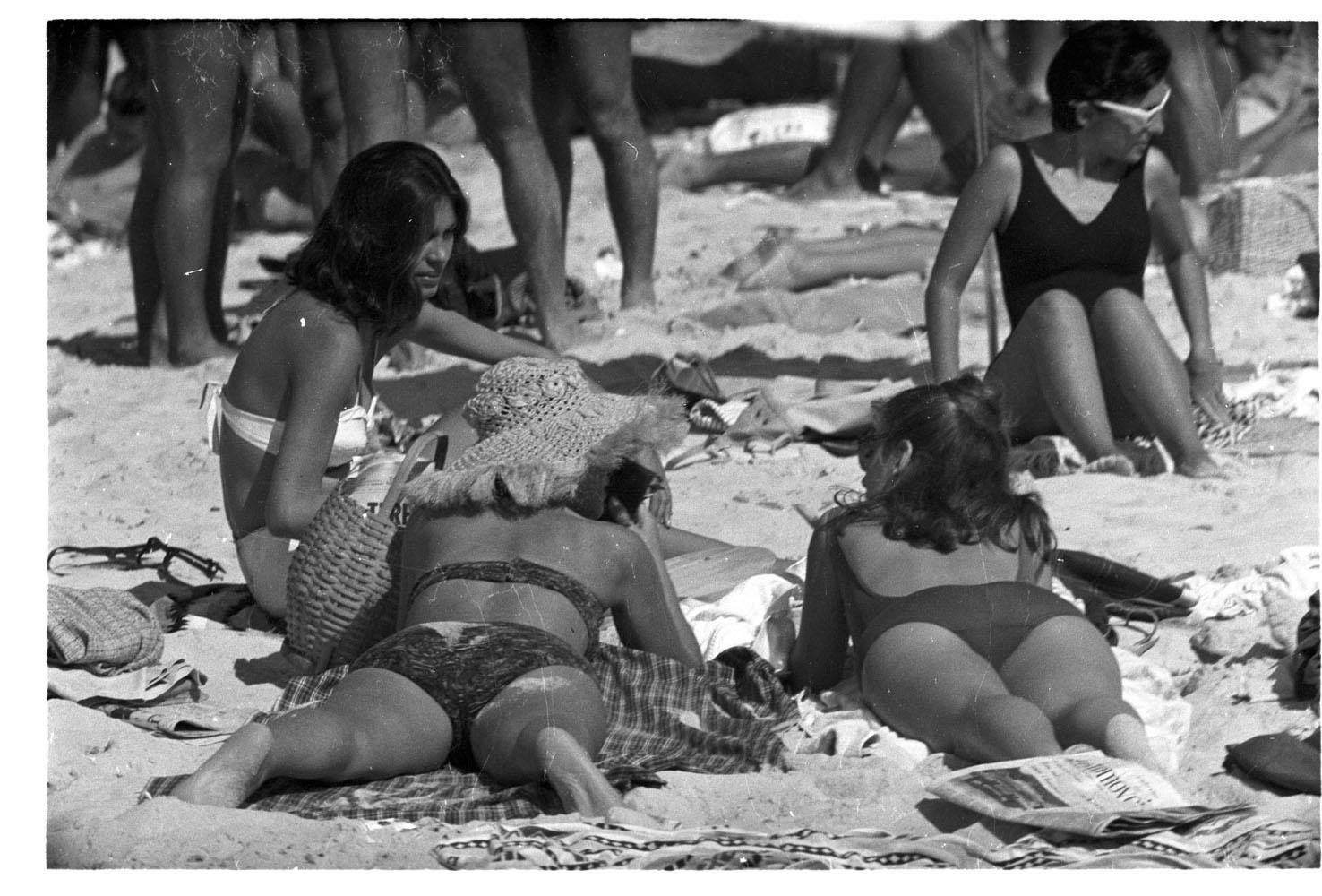 Moda praia nas areias do Rio de Janeiro  RIO-ANTIGO-04